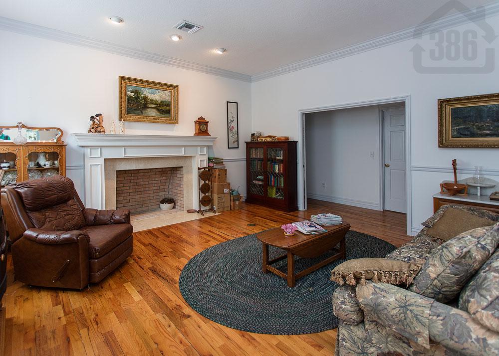 6229 coquina living room